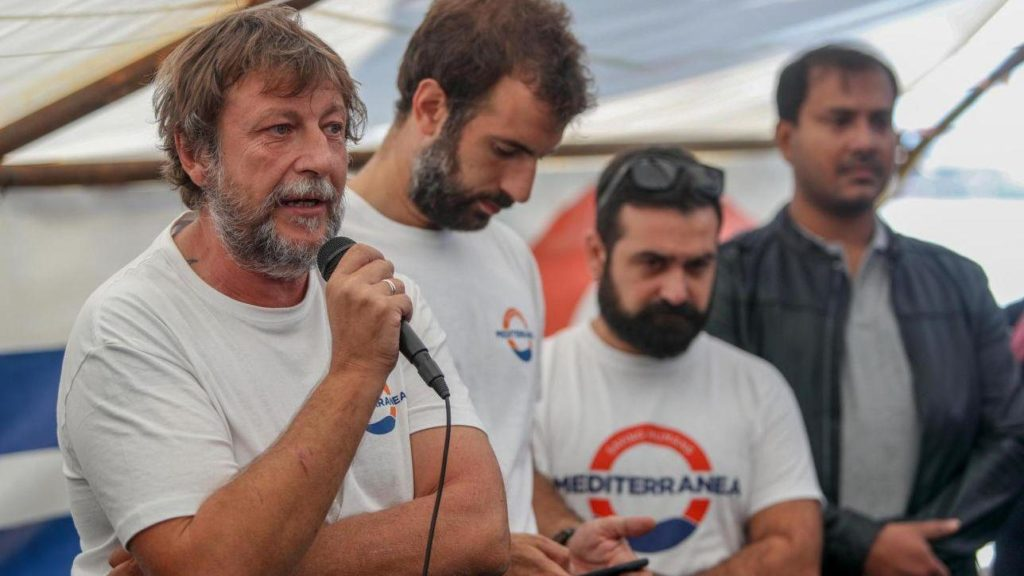 "Luca Casarini, da ""No global"" a pirata immigrazionista"